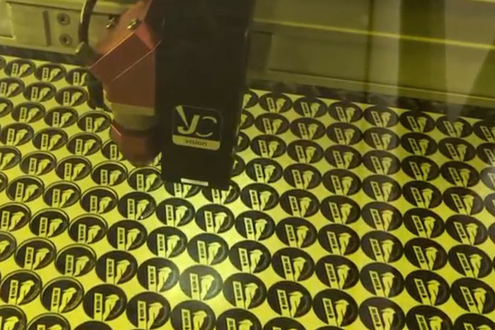 'Say cheese' – nog nauwkeuriger lasergraveren dankzij extra camera
